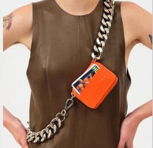 2020 sac de poitrine croix monnaie sac Kara mode poches chaîne épaisse diagonale ins super mini-feu en cuir petit sac femme A102 navire gratuit
