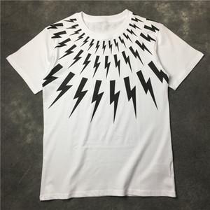 Été T-shirt Styliste T-shirt court noir blanc manches Styliste Chemises Hommes Femmes T-Shirts Hip Hop Street Style unisexe T-shirts