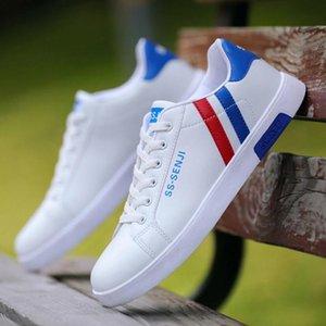 2020 Hot Herrenschuhe Sneaker New Small weißen Schuhe Herren Schwarz und Weiß PU-beiläufigen Schuh-wilde Art und Weise klassischer flache Herren