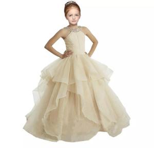 2018 Şampanya Kız Pageant Elbiseler Halter Balo Ruffles Pullu Boncuklu Kristal Küçük Kızlar Çiçek Kız Elbise Ucuz Uzun Yeni