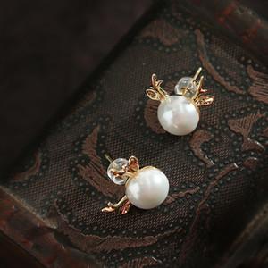 2019 Pendientes de plata joyería de concha perla de la manera de la aguja de la asta 925 del clavo del oído Pendientes minimalistas Mujeres Accesorios