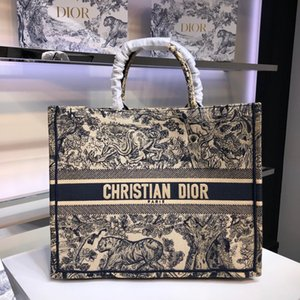D1OR embroidery book tote Genuine leather men women twist handbag messenger shoulder bag pockets Totes Shopping bags Backpack Key Wallets