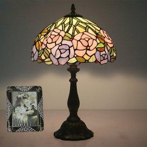 침실 Bedlamp 유럽 크리 에이 티브 웨딩 룸 장식 꽃 테이블 램프 바 카페 레스토랑 램프 연구 복고풍 책상 램프