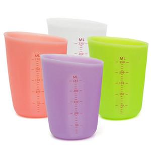 250 ml Silikon Measure Cup Klar Skala verdicken Messbecher Anti-Rutsch-Elastic Messbecher Milch Cups Küchen-Backen-Koch-Werkzeug VT1753