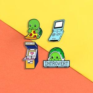 yığın Broş Introvert kaplumbağa emaye pimleri Sevimli kedi Oyun makinesi rozetleri Hayvan fr için Gömlek çantası Yaka pin Karikatür takı hediye broşlar ...