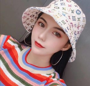 2021 New fashion luxury bucket hat fisherman hat high quality classic travel sun hat for men and women A20