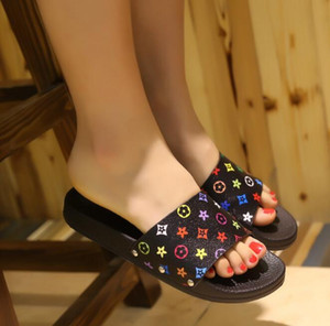 Weoneit Meninas Chinelos Crianças Sandálias Da Moda Praia Novo Verão Confortável Mulheres Sapatos Para Casa Crianças Impresso Chinelos