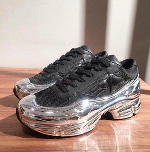 Últimas homens Mulheres Sneaekers Raf Simons Oversized sapatilha, calçados Ozweego em Silver Metallic efeito dip Sole instrutor desportivo MulticolorSize 36-45