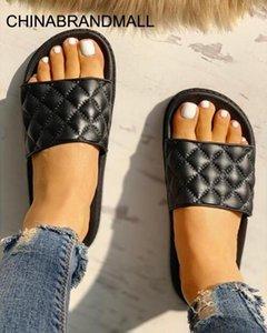 2020 Women s Transparent Sandal Luxury Clear Flats Shoes Summer Casual Slides Ladies Beach Sandals Fashion Sandalia Rasteirinha
