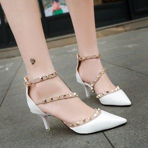 Rivet single stiletto high heels word buckle sandale designer sandal designer slides party shoes women sandals Studded pointed shoes