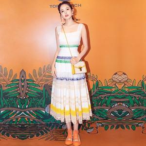 Bir Çizgi Renkli Yüksek Kalite Yeni 2019 Moda Kare Boyun Pist Yaz Elbise kadın Dresse Fırfır Rahat Çiçek Parti dantel Kolsuz