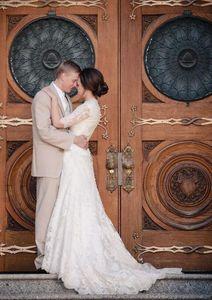 A-Line Lace Wedding Dresses Half Sleeves With Beaded Sash V-Neck Modest Beach Boho Count Train Bridal Gowns Cheap robe de mariée