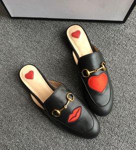 2020 Latest gucci shoes   새로운 고급 여성 여름 Princetown 레이스 벨벳 슬리퍼 노새 로퍼 정품 가죽 버클 꿀벌 뱀 패턴