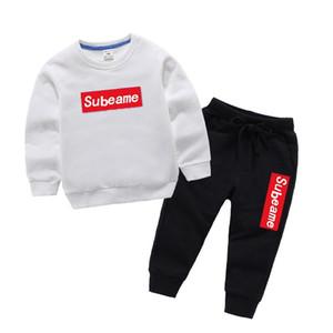 La manga larga de niños y niñas de diseño de las camisetas y pantalones cortos Traje Vender Marca chándales de los niños de la ropa del Hot Ropa de moda de los niños