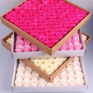 81 UNIDS Rose Soap Flower Set 3 capas 16 Colores Sólidos En Forma de Corazón Flor de Jabón de Rosa Regalo de Fiesta de Bodas Románticas Hechos A Mano Decoración de DIY