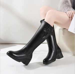 Designer Fashion Latest Women designer boots Martin Desert Boot flamingos arrow medal leather coarse Top Quality Winter shoes