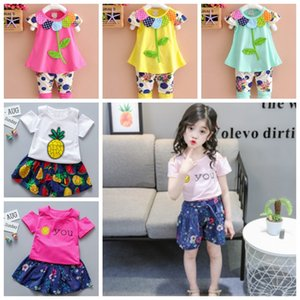 Vêtements bébé fille Ensemble fleur brodée filles Tops Shorts 2pcs Ensembles coton Tenues bébé Vêtements de bébé Summer 12 Designs DHW3949