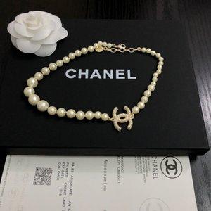 carta diseñador collar 2020 Nueva alta calidad con la venta caliente caja de moda hermosas Accesorios de lujo el envío libre 051121