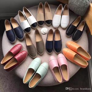 Новые Женщины Дизайнерская обувь Кожа Espadrilles Flat обувь Two Tone Cap Toe моды Мокасины Черный Белый овчины Повседневная обувь