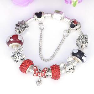 Mpb2 À La Main Diy Mickey Marque Charme Bracelet Fit Serpent Chaîne Perles De Verre De Murano Bracelet Femmes Bijoux Enfants Cadeaux T7190615