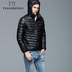 Tian Qiong Marka Sonbahar Kış Işık Aşağı Ceket Erkek Moda Kapşonlu Kısa Büyük Ultra ince Hafif Gençlik İnce Coat 4XL