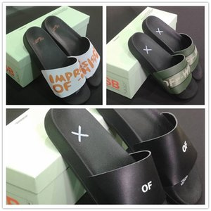 pantofole CALDO ow in bianco e nero dei sandali estivi pantofole scarpe uomini donne spiaggia Home arrow logo