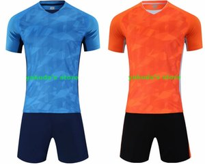 Superior al por mayor 2019 nuevos personalizadas de los hombres de malla Rendimiento ropa aficionado a los deportes Conjuntos personalizada Jersey de fútbol con los cortocircuitos del fútbol los hombres de prendas de vestir
