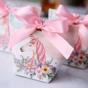 Yaratıcı Avrupa Karikatür Unicorn / Flamingolar Şeker Kutuları Düğün Bomboniera Parti Hediye Kutusu Kağıt Ambalaj Şeker Poşet 30pcs Yana