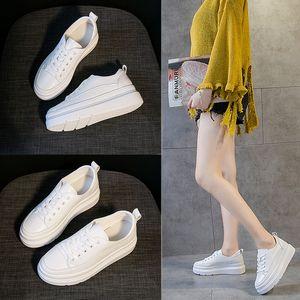 Primavera y aumentar Dentro zapatos de las mujeres de la manera salvaje de cuero genuino respirable los zapatos gruesos ocasionales de la plataforma inferior