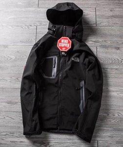 Hot vender clássico BRAND homens de oudoor encapuzados Polartec softshell norte Jacket masculino Esportes à prova de vento impermeável inverno respirável Coats rosto