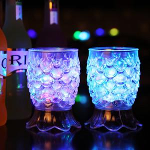 Led Luminescence Coupes Dazzle Ananas Tasse Pour Induction De L'eau Flash Gobelet Bar Partie Populaire Nouvelle Arrive 5 35mw J1