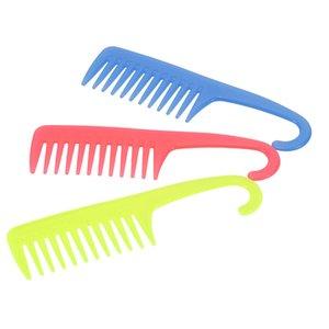 Criativa Comb cabelo Grande Comb Ampla Dente com Hanger plástico ABS Anti-Static Detangling pente dentes cabeleireiro cor aleatória W4355