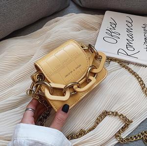 Designer Luxus-Handtaschen-Geldbeutel-Frauen arbeiten Frauen Satteltasche Mini-Kette Paket 4 Farbe Pure Color Joker Schultertasche und Hang-Bag Kuh
