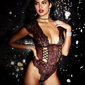 INS Red Language New European and American Eyelash Lace Sexy Jumpsuit Sexy Perspective Mesh V-neck Large Size Womens Sexy Underwear Sale