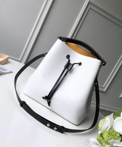 Высокое качество Lady тенденция дизайнер ясно ведро мешок аппаратных средств металлические пряжки женщин Drawstring пляж ручные сумки