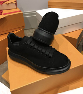 Zapatos de plataforma de gamuza negra Zapatos de diseñador para hombres Zapatos casuales de mujer Zapatillas de deporte con forma de placa Zapatos con cordones de parte superior para mujer Zapatos planos Zapatos de cuero de lujo de moda