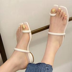 Terlik 2021 Kadın Moda Ince Kemer Açık Toe Flats Slaytlar Bayanlar Nedensel Düşük Kare Topuklu Sandalet Kadın Şeker Renk Ayakkabı