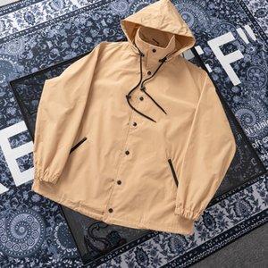 19SS automne hiver hommes couple de sport de mode coupe-vent lettres l'impression numérique en plein air vestes fonction coupe-vent imperméable mâle