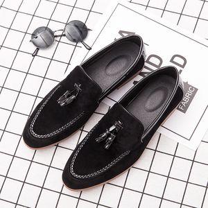 2019 holgazanes de los hombres Moccas zapatos de gran tamaño de la marca transpirable de la moda clásica cómoda elegante de lujo de los zapatos ocasionales de los hombres 47