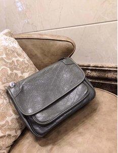 2018 HOT Women Flap Chain Shoulder Handbag High Quality Oil Wax Real Leather V Shaped Designer Purse Shoulder Messenger Handbag
