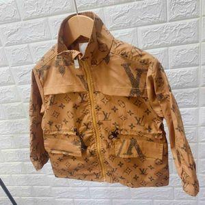 Diseñador niños chaquetas de la capa del patrón de lujo británica muchachos del estilo Windbreakers Marca de moda las niñas chaqueta con capucha de ropa del cabrito 2 Estilo