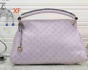 20204D40249-2 뜨거운 새로운 고품질의 체인 숄더 패션 가방 캐주얼 패션 가방 술 장식 하나의 어깨 핸드백
