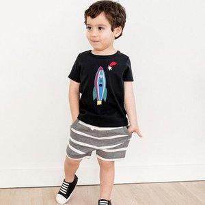 Poco experto niños de la marca de los bebés del verano 2019 de ropa de algodón conjuntos de los niños animales de cohetes rayas de impresión de la camiseta + pantalones cortos de LY191227