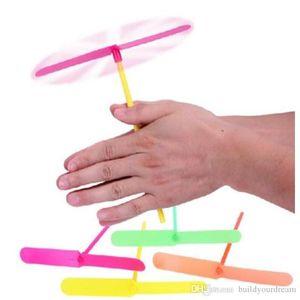 A888 novidade plástico Bamboo Dragonfly Propeller Outdoor helicóptero Brinquedos para caçoa favores de partido presente pequeno para Crianças 0720ayq
