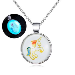 Collana in vetro colorato unicorno collana di cavallo modello carino glow in the dark jewelry