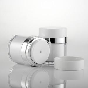 Bocaux cosmétiques en plastique sans air en plastique pour le visage avec des mains pour le visage, une bouteille ronde avec un collier en argent brillant 15g