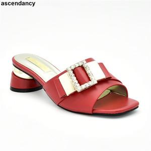 Новые модные роскошные туфли Женские дизайнеры итальянские женские вечерние насосы украшенные стразами последние Женские туфли с открытым носком