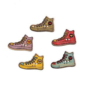 200pcs 2 furos Kawaii sapatos em forma de madeira botões de costura Scrapbooking DIY Acessórios Madeira Botão para vestuário DIY Carft