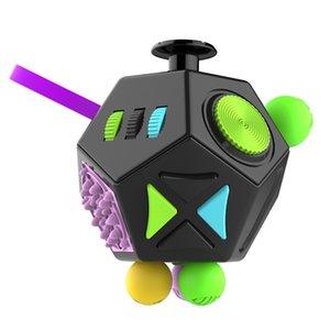 Alivia el estrés Navidad de la oficina plástico regalo rompecabezas Cubos turística Juguetes Alivio Ansiedad Anti-estrés Cubo del rompecabezas del juguete para adultos