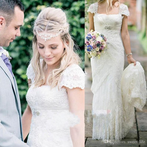 2021 Boho Romantic Country Style Sheath Cap Sleeves Wedding Dresses with Beaded Sash Square Lace Court Train Bridal Wedding Gowns Plus Size
